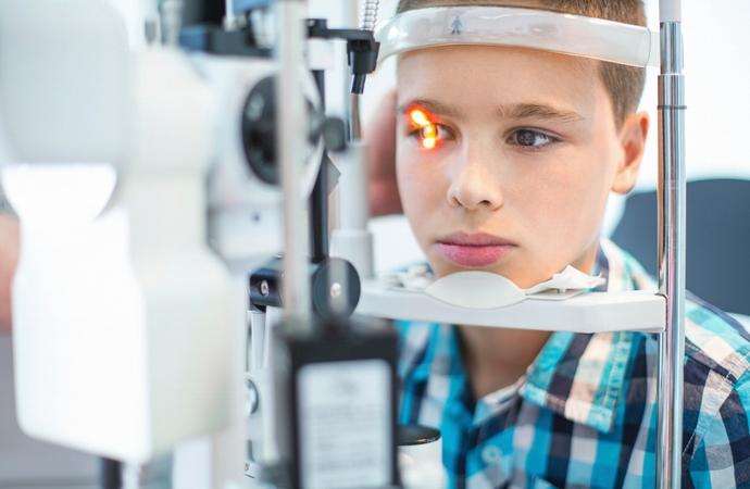 saude-ocular-criancas